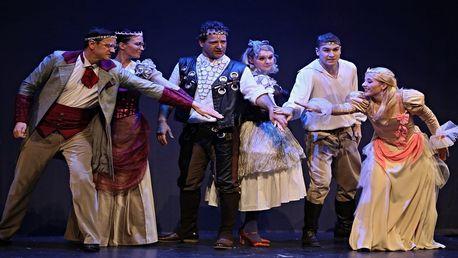 Vstupenka do Hybernie: muzikál Královna Kapeska