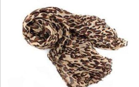 módní šátek s leopardím vzorem
