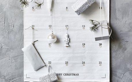 House Doctor Textilní adventní kalendář na zeď, bílá barva, textil
