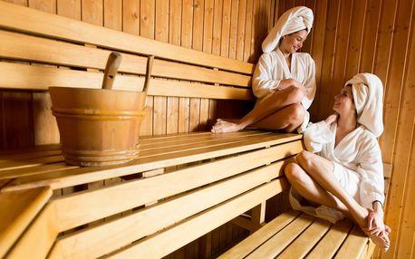 Balíček pro dámy: sauna, peeling, masáž i zábal