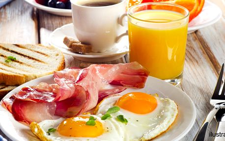 Nastartujte den vydatnou snídaní včetně nápojů