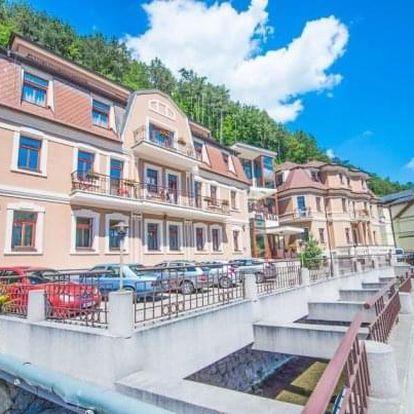Trenčianské Teplice v Garni Hotelu Praha *** se vstupem do lázní a masáží