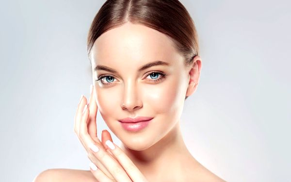 Pro zářivou pleť: ošetření s alginátovou maskou a kyselinou hyaluronovou2