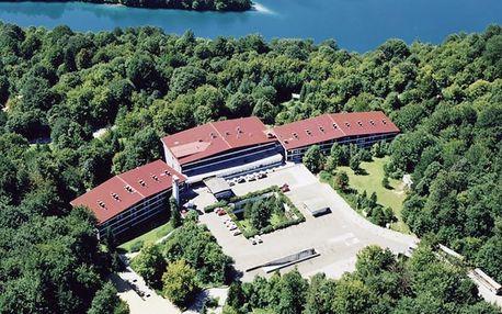 Chorvatsko - Plitvická jezera na 2 až 3 dny, polopenze nebo snídaně s dopravou vlastní přímo na pláži