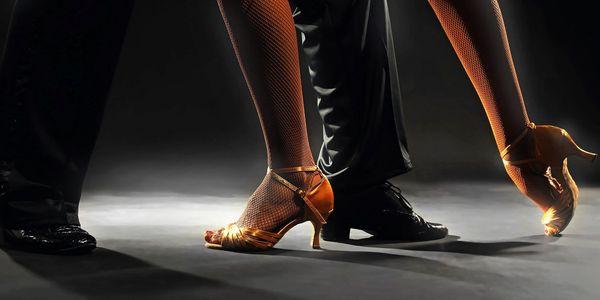 Lekce společenských tanců pro pár