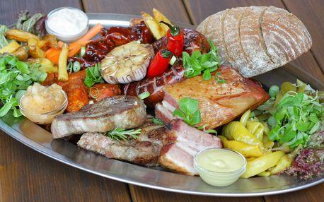 Prkno s 1,6 kg masa a hranolky pro 4–5 osob