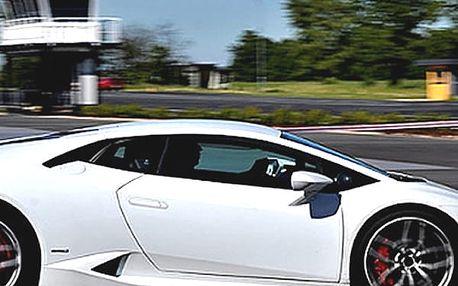 Ferrari 458 Italia, Lamborghini LP560 Gallardo, McLaren 570s nebo Porsche Boxster.