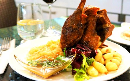 Svatomartinské menu pro dva: 1/2 husy i dezert