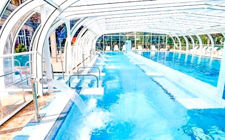 Hévíz s neomezenými termálními bazény