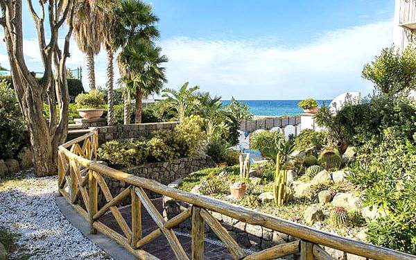 Hotel TERME TRITONE, Ischia, Itálie, letecky, polopenze (28.9.2019 - 5.10.2019)2