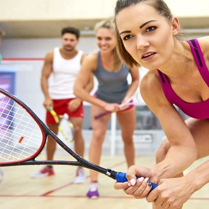 1, 3 či 5 hodin squashe nebo S-badmintonu