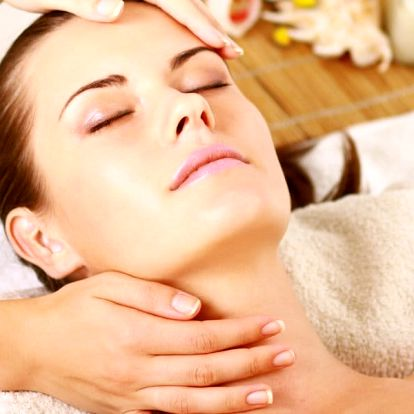 Velký kosmetický balíček s masáží obličeje