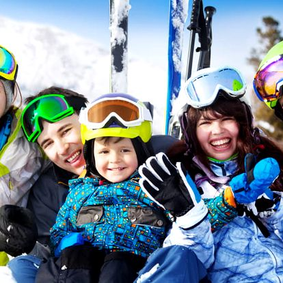 Parádní lyžovačka pro celou rodinu v Krkonoších s polopenzí a wellness