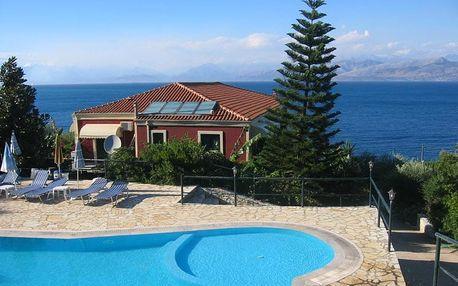Řecko - Korfu na 8 dní, polopenze, snídaně nebo bez stravy s dopravou letecky z Prahy 100 m od pláže
