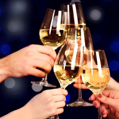 Silvestr na Moravě: 4 noci s polopenzí i vínem