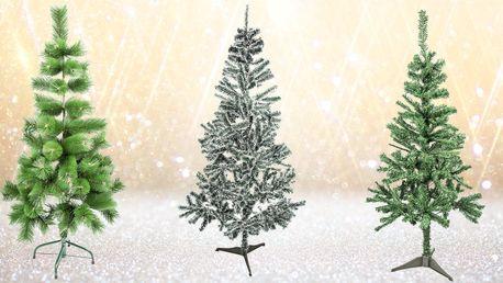Krásné umělé vánoční jedličky a borovice