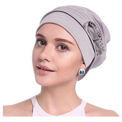 Dámská čepice v elegantním stylu