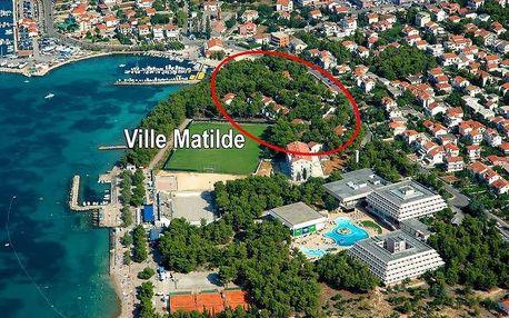 Chorvatsko - Vodice na 6 až 8 dní, bez stravy s dopravou vlastní 30 m od pláže