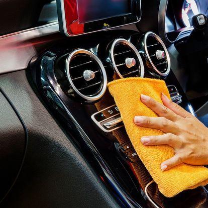 Ruční mytí automobilu: interiér i exteriér