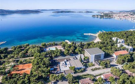 Chorvatsko - Vodice na 10 dní, light all inclusive nebo polopenze s dopravou autobusem 50 m od pláže