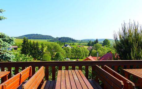 Hotel Hořice na Šumavě s polopenzí, saunou a lahví vína