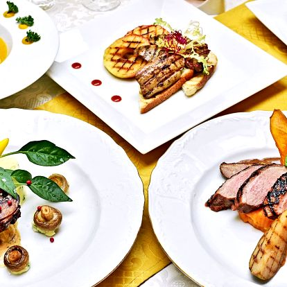 3chodové menu: dýňový krém, kachna či steak