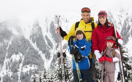 Rodinná lyžovačka na Slovensku se skipasem v ceně
