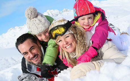 První sníh v Harrachově s polopenzí! Přijeďte na 1 noc a 2 noc máte ZDARMA!