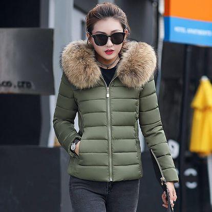 Dámská bunda s kapucí s umělým kožíškem - 7 barev