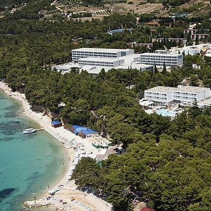 Chorvatsko - Brač na 10 dní, polopenze s dopravou autobusem 50 m od pláže