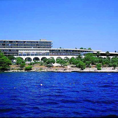 Chorvatsko - Hvar na 8 až 10 dní, polopenze s dopravou letecky z Prahy nebo autobusem 50 m od pláže