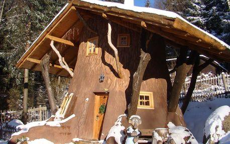 Zima i jaro v Pohádkové vesničce pro 2 + 2 děti do 12 let s polopenzí a bazénem