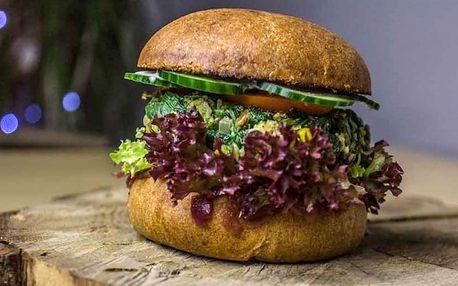 Špenátový, řepový či portobello burger + hranolky