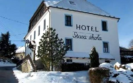 Zimní dovolená i jarní prázdniny v Hotelu Hořice Stará škola, polopenze, domácí zákusek.