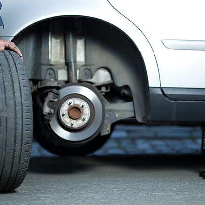 Profesionální přezutí pneu nebo výměna celých kol všech velikostí