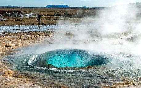 Cesta do země ohně a ledu, Island, letecky, snídaně v ceně