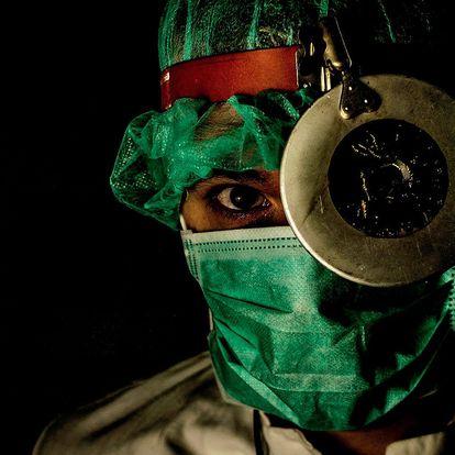 Napínavá úniková hra Dr. Anděl pro 2–5 hráčů