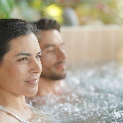 Pobyt pro dva v hotelu Březůvky s polopenzí a neomezeným wellness