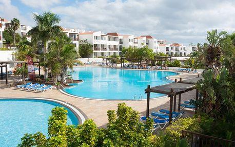 Kanárské ostrovy - Fuerteventura na 8 dní, plná penze nebo polopenze s dopravou letecky z Prahy nebo Vídně 550 m od pláže