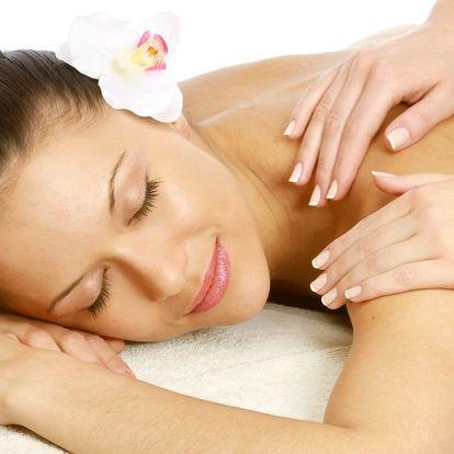 Luxusních 100 minut: Olejová masáž a rybičky