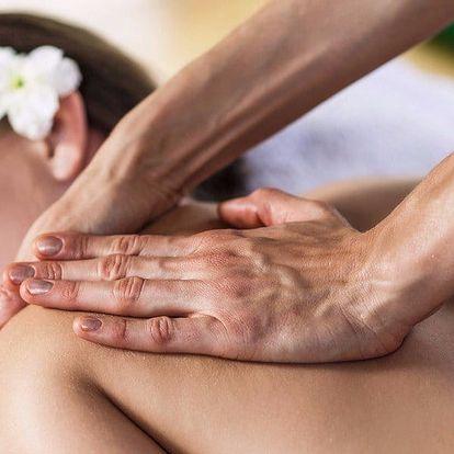 Relaxace jako na Havaji: exotická masáž Lomi Lomi