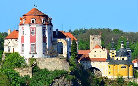 Jaro ve Vranově n. Dyjí: pobyt pod krásným zámkem