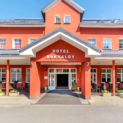 Krásné Beskydy v Hukvaldech v hotelu s neomezeným vstupem do bazénu a vířivky, saunou a polopenzí