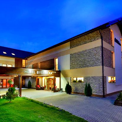 Slovenská Bystrička ve skvěle umístěném hotelu u Velké Fatry s polopenzí – varianty s wellness, slevou na skipas a dalšími slevami