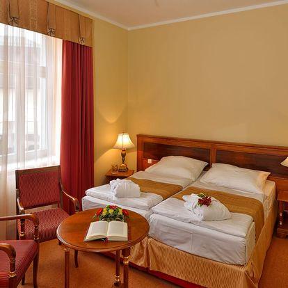 Hotel Continental**** v Mariánských Lázních s wellness a procedurami