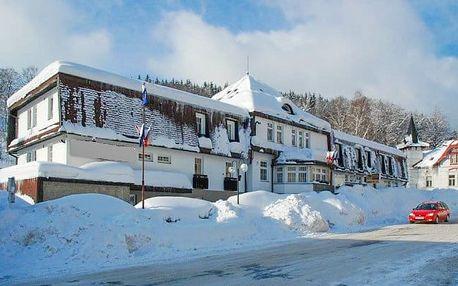 Krkonoše v obklopení ski areálů + wellness