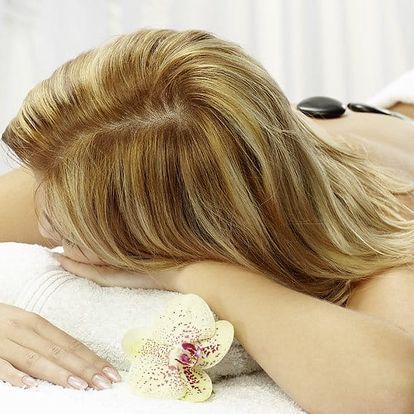 Breussova masáž s prohřátím lávovými kameny