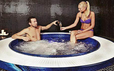 Relax v saunovém světě a whirlpoolu pro dva