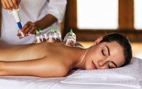 50minutová uvolňující masáž zad a šíje včetně baňkování ve studiu M&K v Plzni