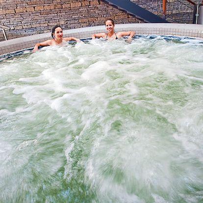 Slavné termální lázně Győr v hotelu s polopenzí + varianty s celodenním vstupem do termálů